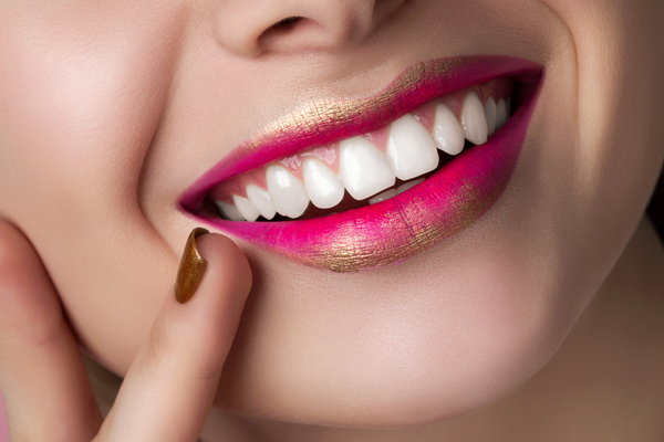 Get Excellent Teeth Whitening Services!